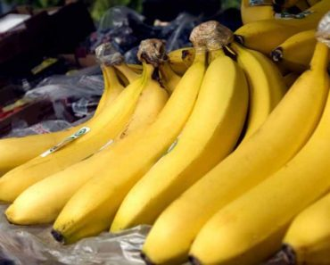 -ripe-bananas-on-market