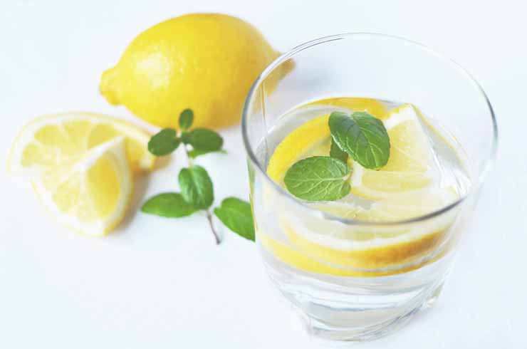 3. Fires Up Your Digestive Juices - Lemon Water