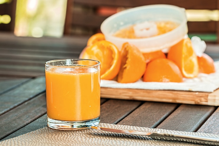 This image has an empty alt attribute; its file name is fresh-orange-juice-squeezed-refreshing-citrus-158053.jpeg